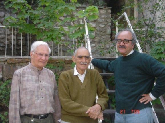 از سمت راست دکتر محمدرضا شفیعی کدکنی، استاد ایرج افشار و هانس دوبرین