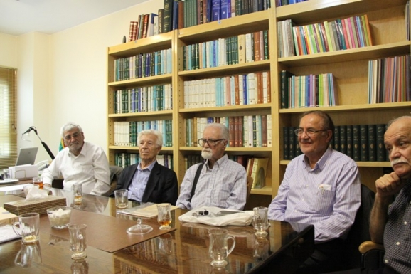 از راست: مجدالدین کیوانی، یحیی شایسته منش، محمد روشن، احسان اشراقی و  مصطفی ذاکری