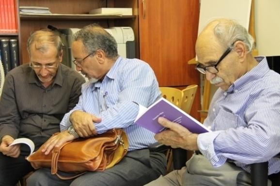 از راست: سید محمد حسینی، محمود جعفری دهقی و عمادالدین شیخ الحکمایی