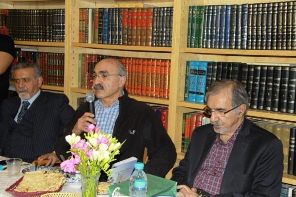 از راست: سید علی موسوی گرمارودی، کامران امیرارجمند و حسن امین