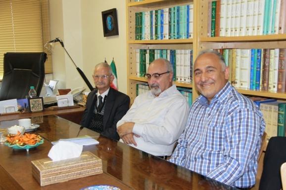 از راست: ناصر گلباز، محمود امیدسالار و محمدحسن ابریشمی