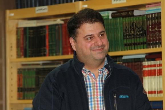 ماکان زهرایی (مدیر انتشارات کارنامه)