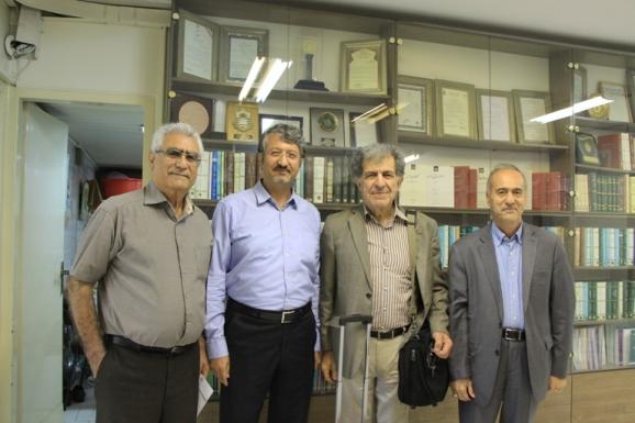 از راست: محمدحسین ساکت، بهرام گرامی، اکبر ایرانی، جواد محمدی خمک