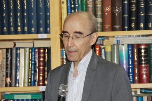 علی اشرف صادقی - مدیر گروه فرهنگ نویسی فرهنگستان زبان و ادب فارسی