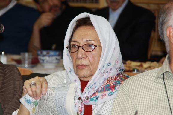 غزل تاجبخش - شاعر و نویسنده
