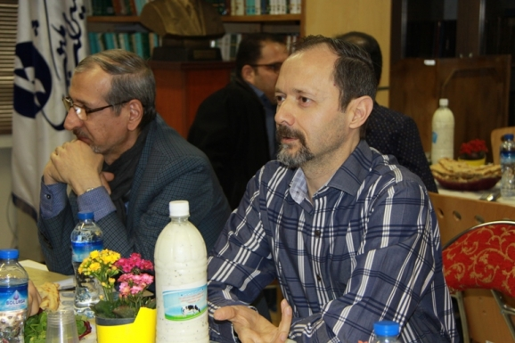 از راست: حمید قلیچ خانی و عمادالدین شیخ الحکمایی