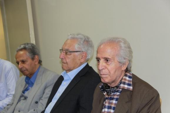 از راست: علی بلوکباشی، پژوهشگر فرهنگ عامه، یوسف ثبوتی، رییس مرکز تحصیلات تکمیلی علوم پایۀ زنجان و عبدالحسن بصیره، پژوهشگر