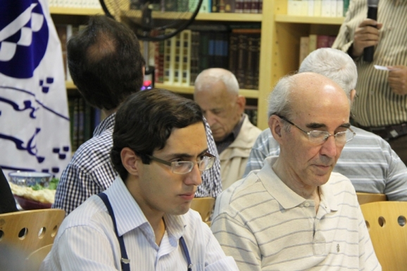 از راست: دکتر علی اشرف صادقی و احسان شواربی
