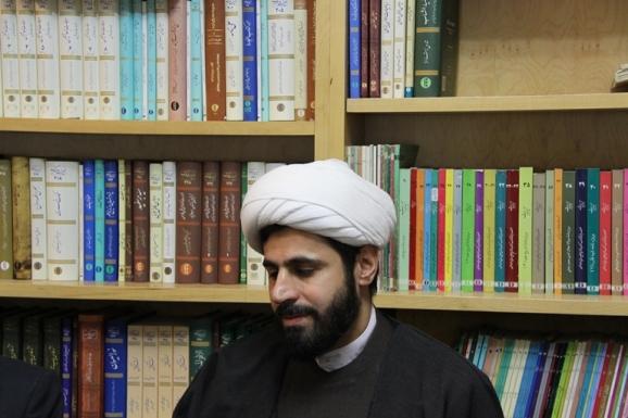 حجت الاسلام و المسلمین اکبر راشدی نیا، عضو مرکز تحقیقات کامپیوتری علوم اسلامی (نور)