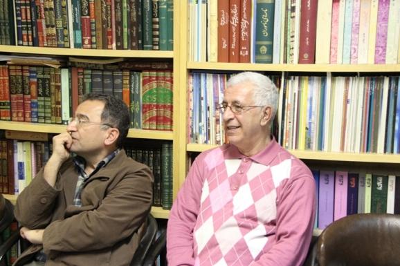 از راست: میرهاشم محدث و محمدحسین مرعشی