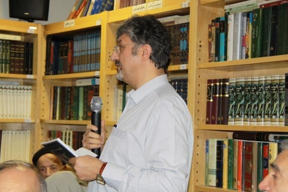 اکبر ایرانی، مدیرعامل مؤسسه پژوهشی میراث مکتوب