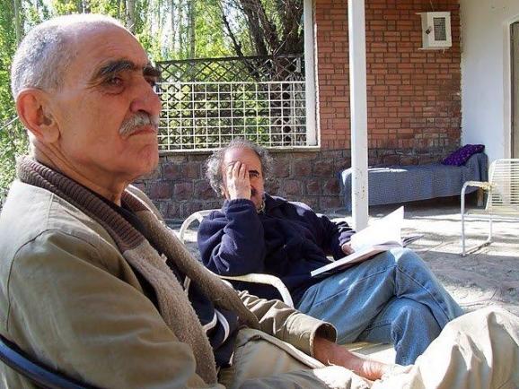 از سمت راست استاد دکتر محمدرضا شفیعی کدکنی و استاد ایرج افشار
