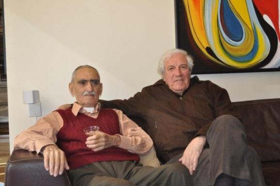 از سمت راست ایرج پارسی نژاد و استاد ایرج افشار