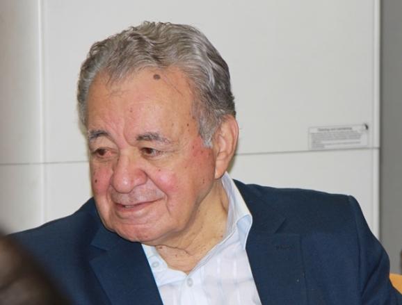 دکتر علی رواقی